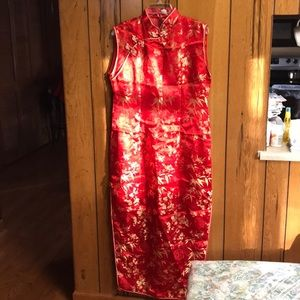 Red sleeveless Chinese dress with double slit